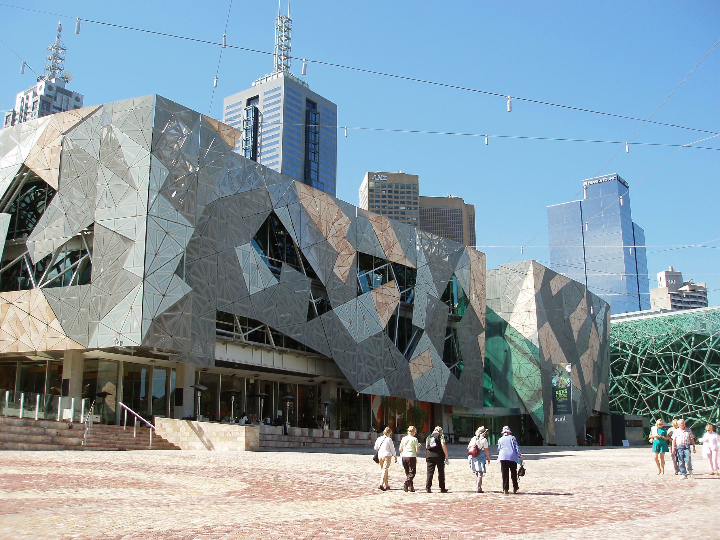 http://freeaussiestock.com/free/Victoria/Melbourne/slides/fed_square.htm